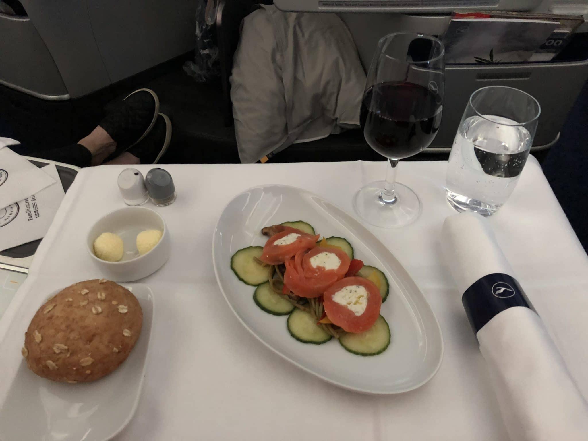 Lufthansa Business Class A350 Vorspeise Heilbutt-Lachs