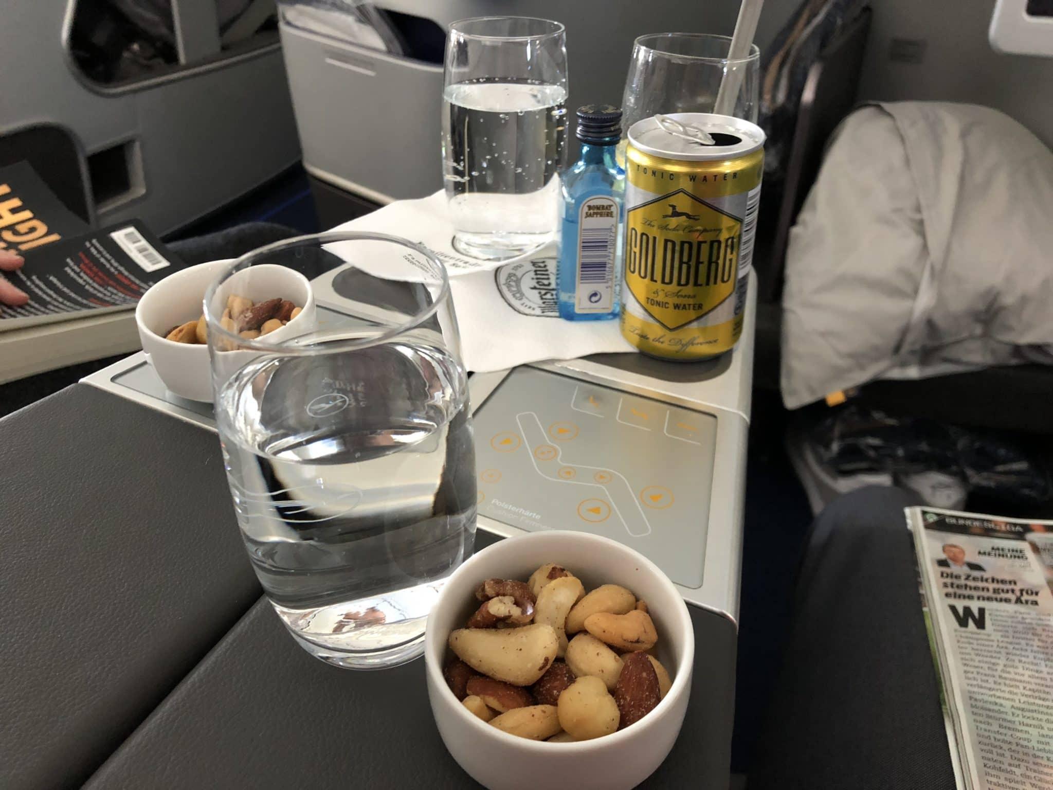 Lufthansa Business Class A350 Gin Tonic