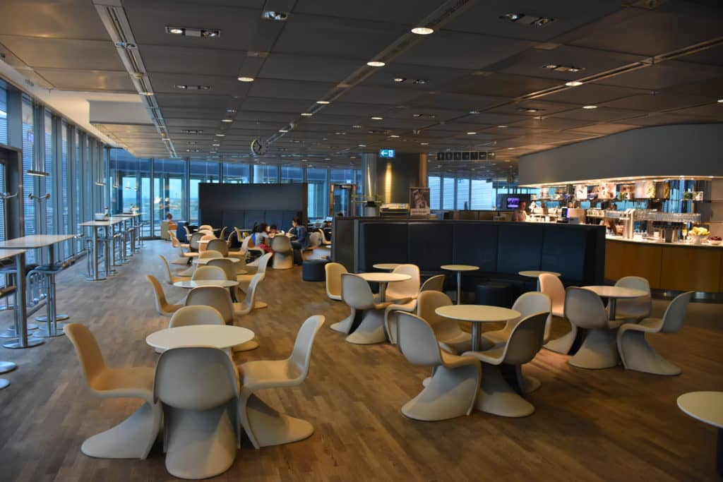 Lufthansa Business Lounge Frankfurt B24-B28 Blick in die Lounge