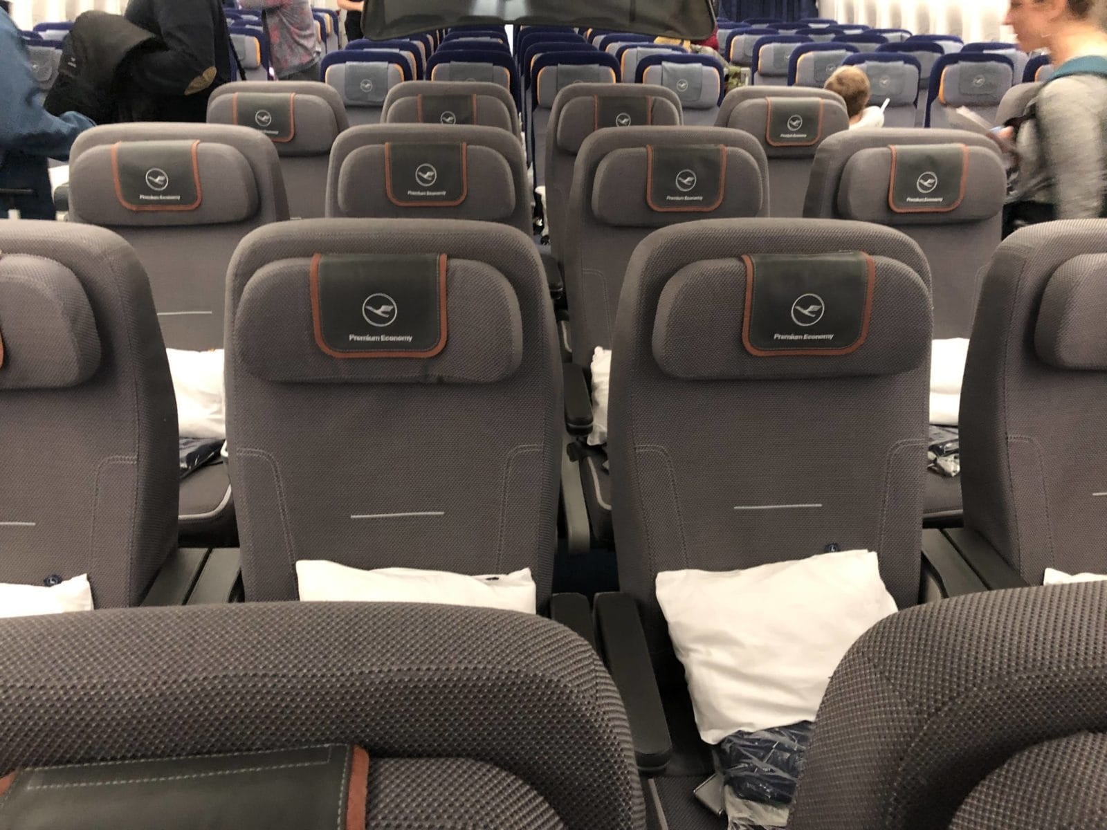 Lufthansa Premium Economy Boeing 747-8i Kabine