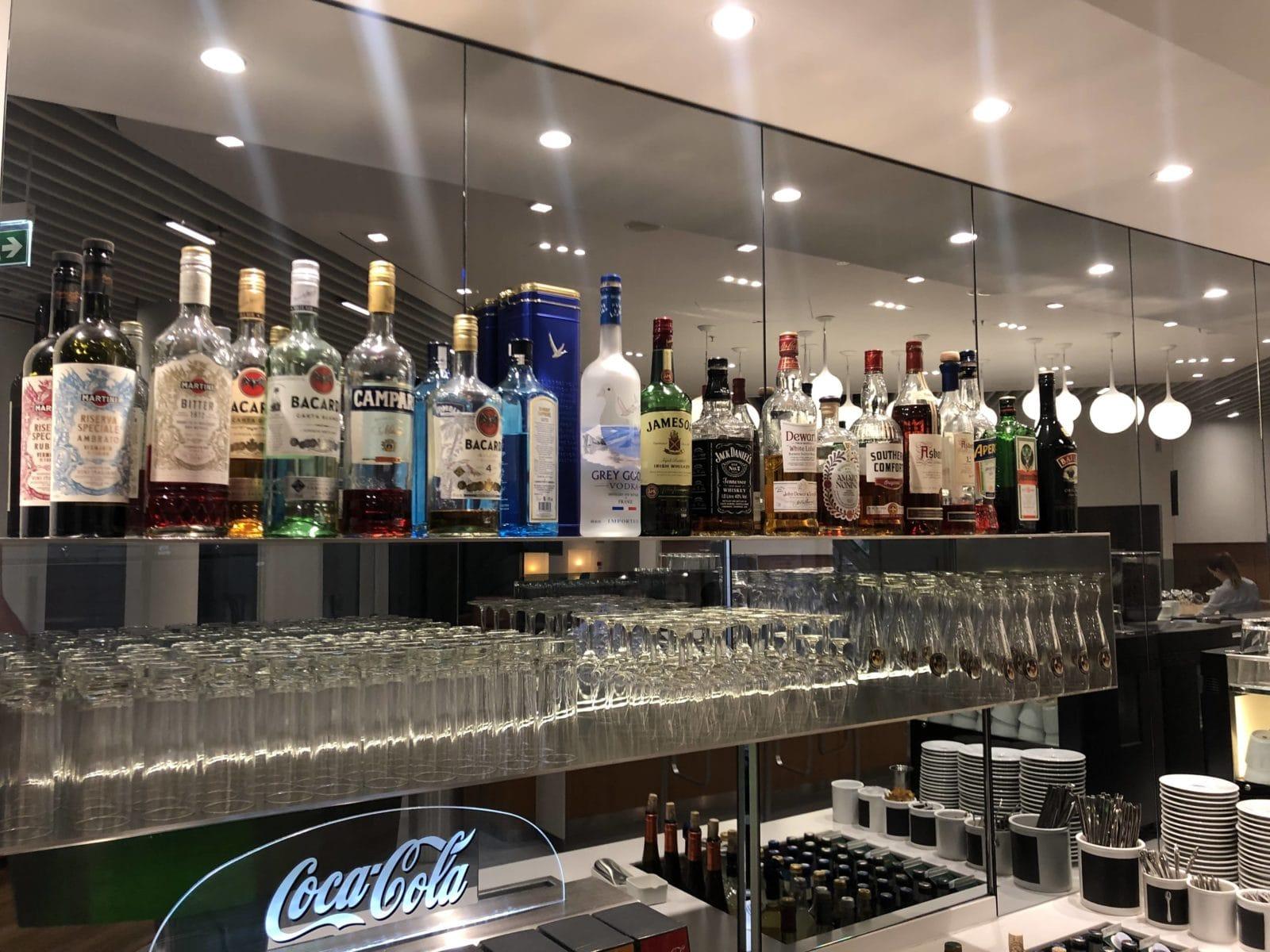 lufthansa senator lounge muenchen satellit schengen hochprozentiger alkohol
