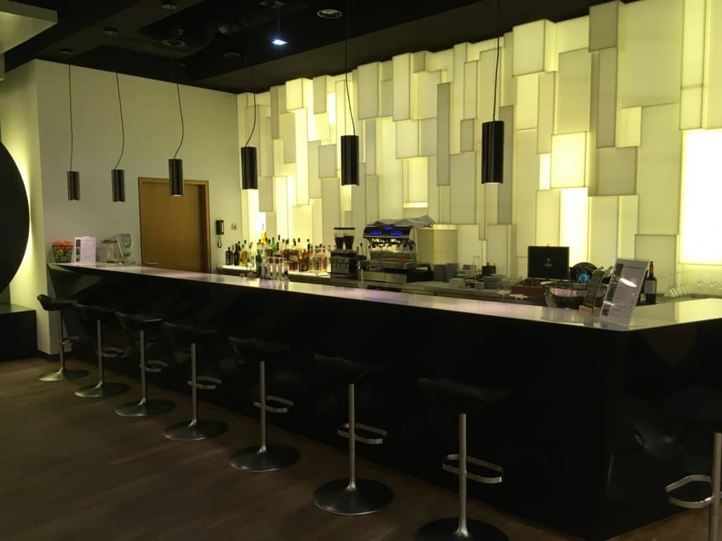 Lufthansa Senator Lounge Frankfurt B - Bar