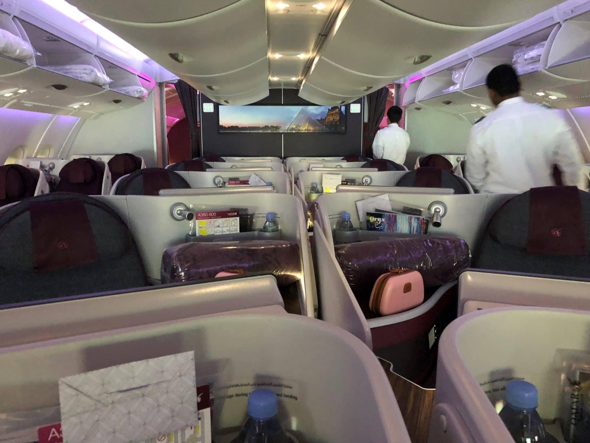 Qatar Airways Business Class A380 Kabine von vorne