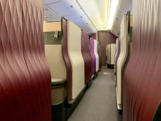 Qatar Airways Qsuite Boeing 777-300ER Kabine