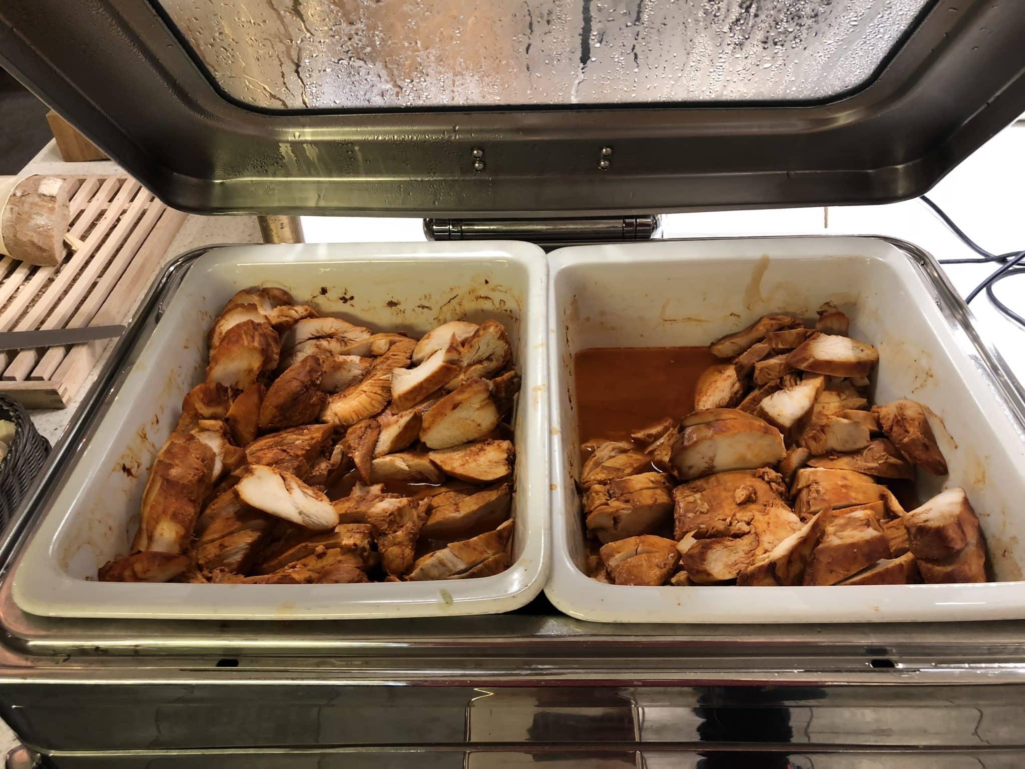 SAS Gold Lounge Oslo-Gardermoen Chicken