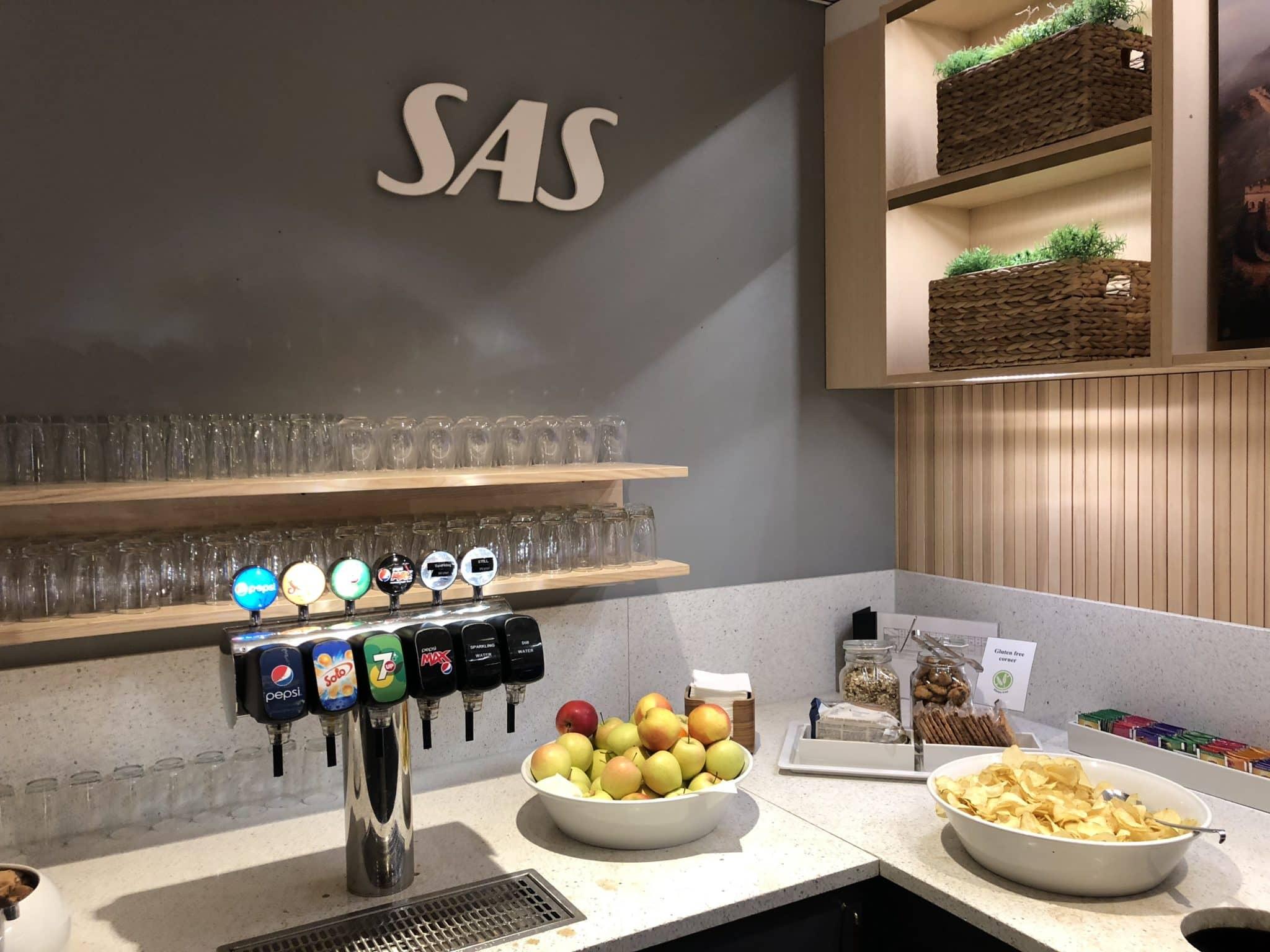 SAS Gold Lounge Oslo-Gardermoen Snacks und Obst