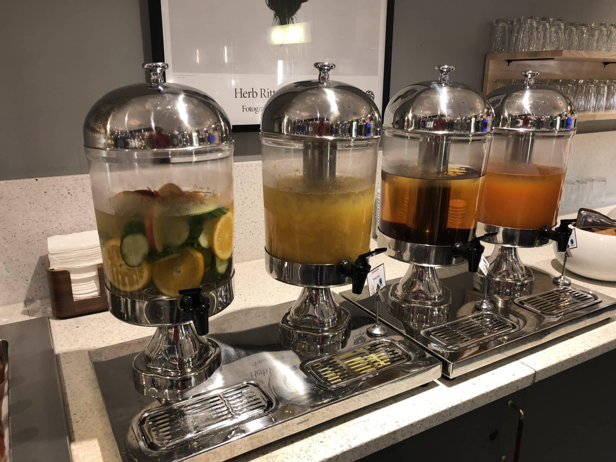 SAS Gold Lounge Oslo-Gardermoen Wasser mit Geschmack