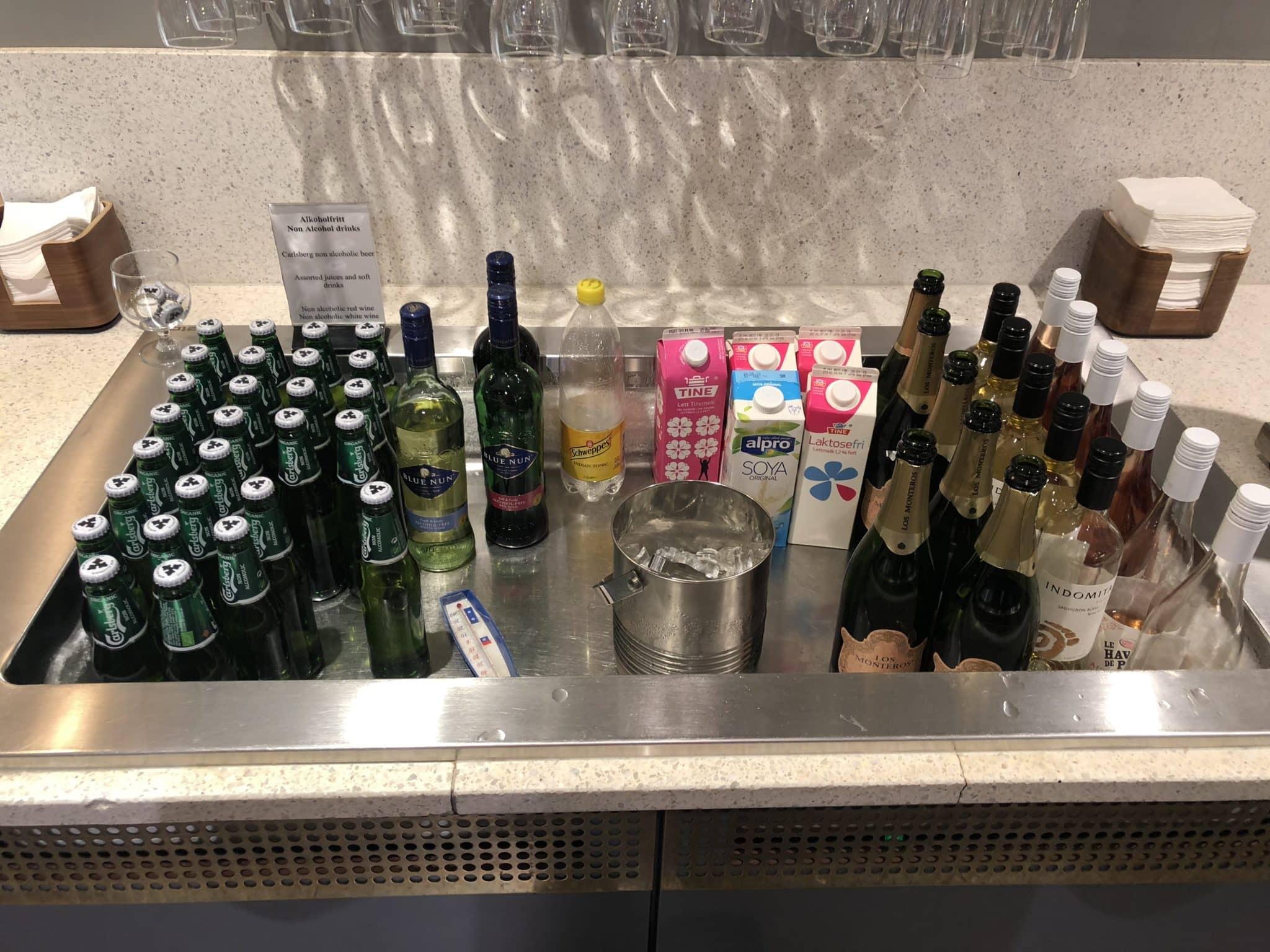 SAS Gold Lounge Oslo-Gardermoen Wein und Bier