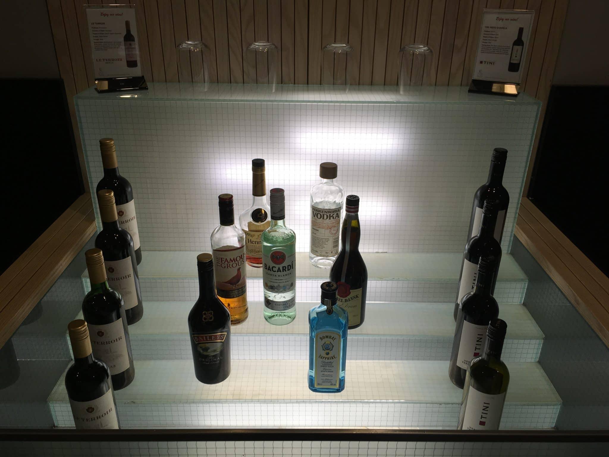 SAS Gold Lounge Stockholm hochprozentiger Alkohol