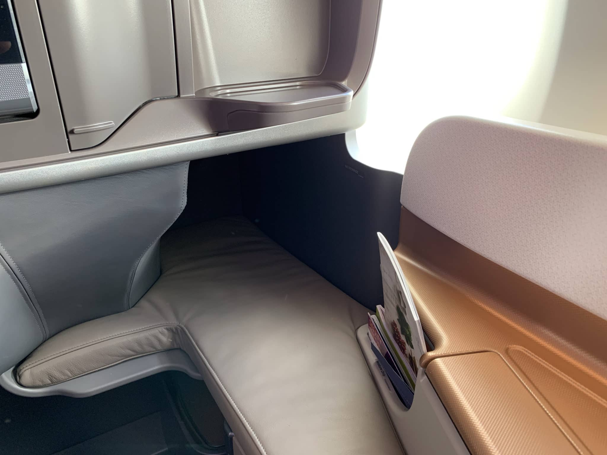 Singapore Airlines Business Class A350-900ULR Fußraum