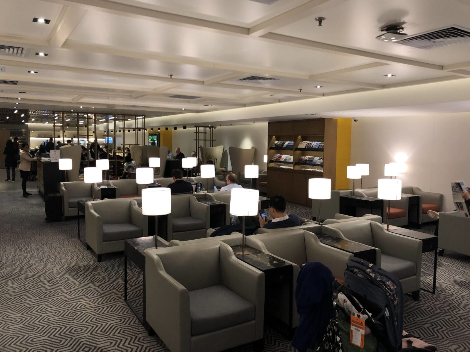 Singapore Airlines SilverKris Lounge Hong Kong Lounge hinten