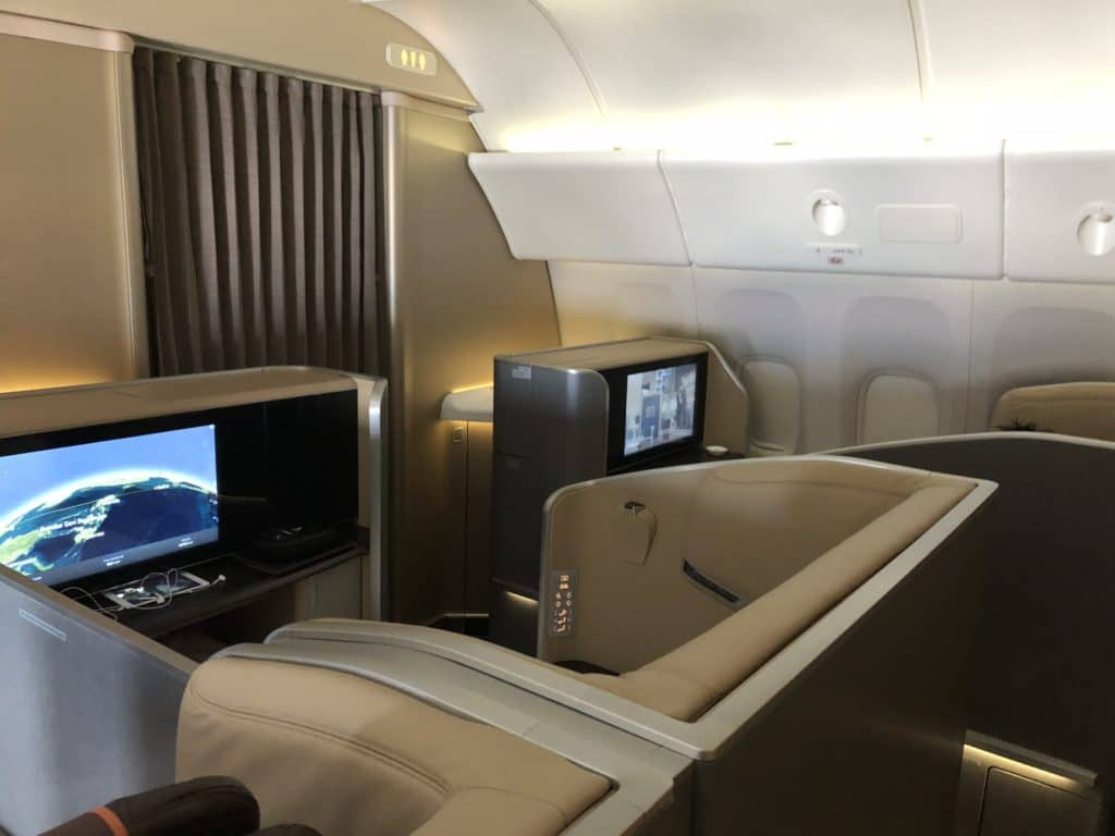 Die neue Singapore Airlines Boeing 777-300 First Class Kabine