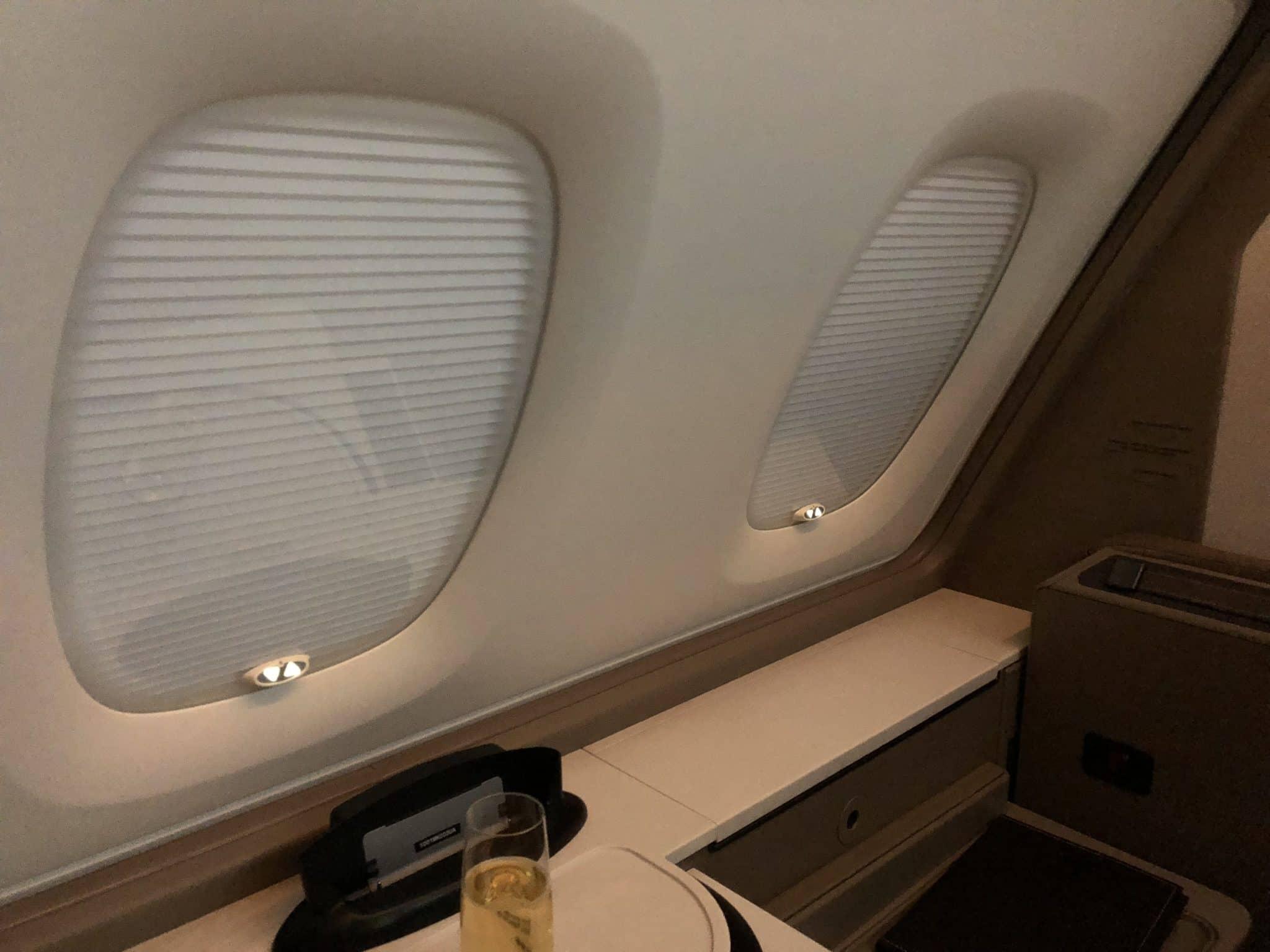 Singapore Airlines neue First Class A380 Fenster komplett verdunkelt