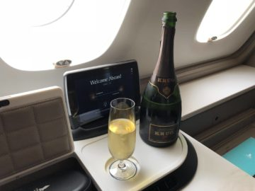 Singapore Airlines neue First Class A380 Kurg Champagner