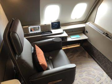 Singapore Airlines neue First Class A380 Sitz Blick auf die Wand