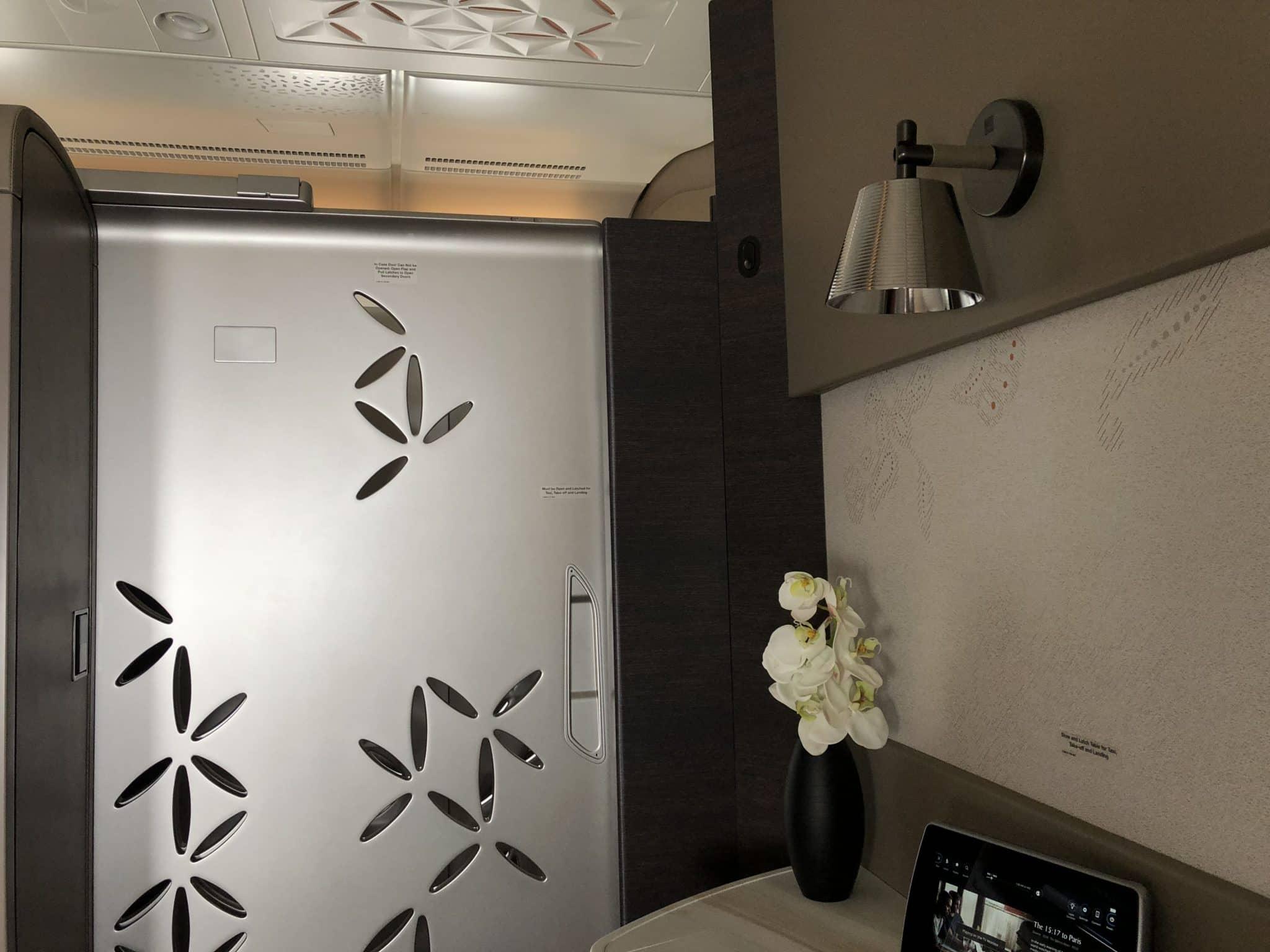 Singapore Airlines neue First Class A380 Tuer geschlossen