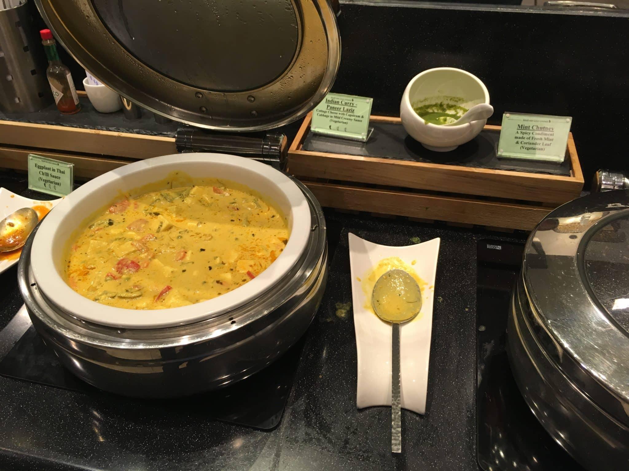 KrisFlyer Gold Lounge Changi Airport Terminal 3 - Indian Curry