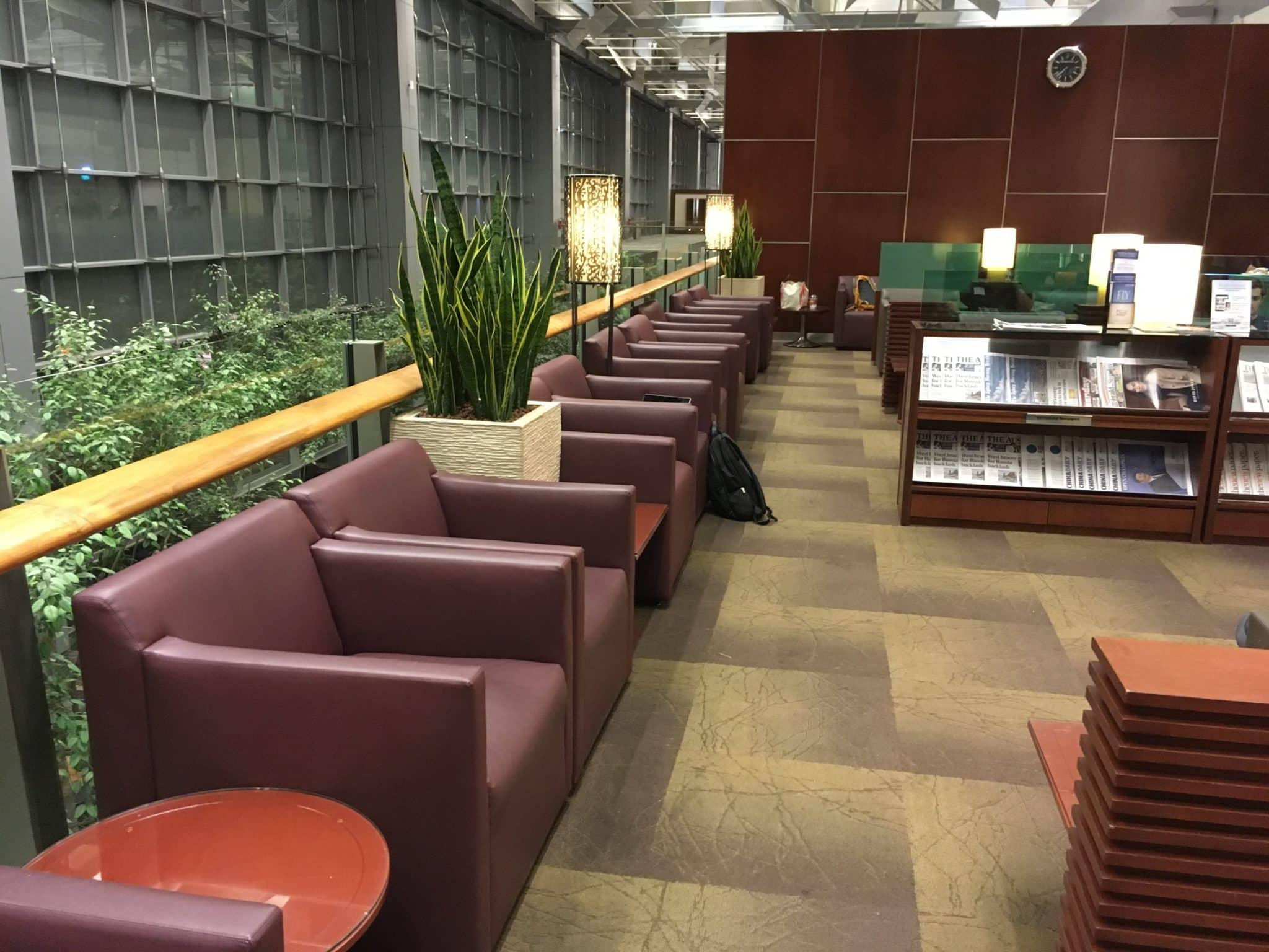 KrisFlyer Gold Lounge Changi Airport Terminal 3 - Sitzbereich draußen