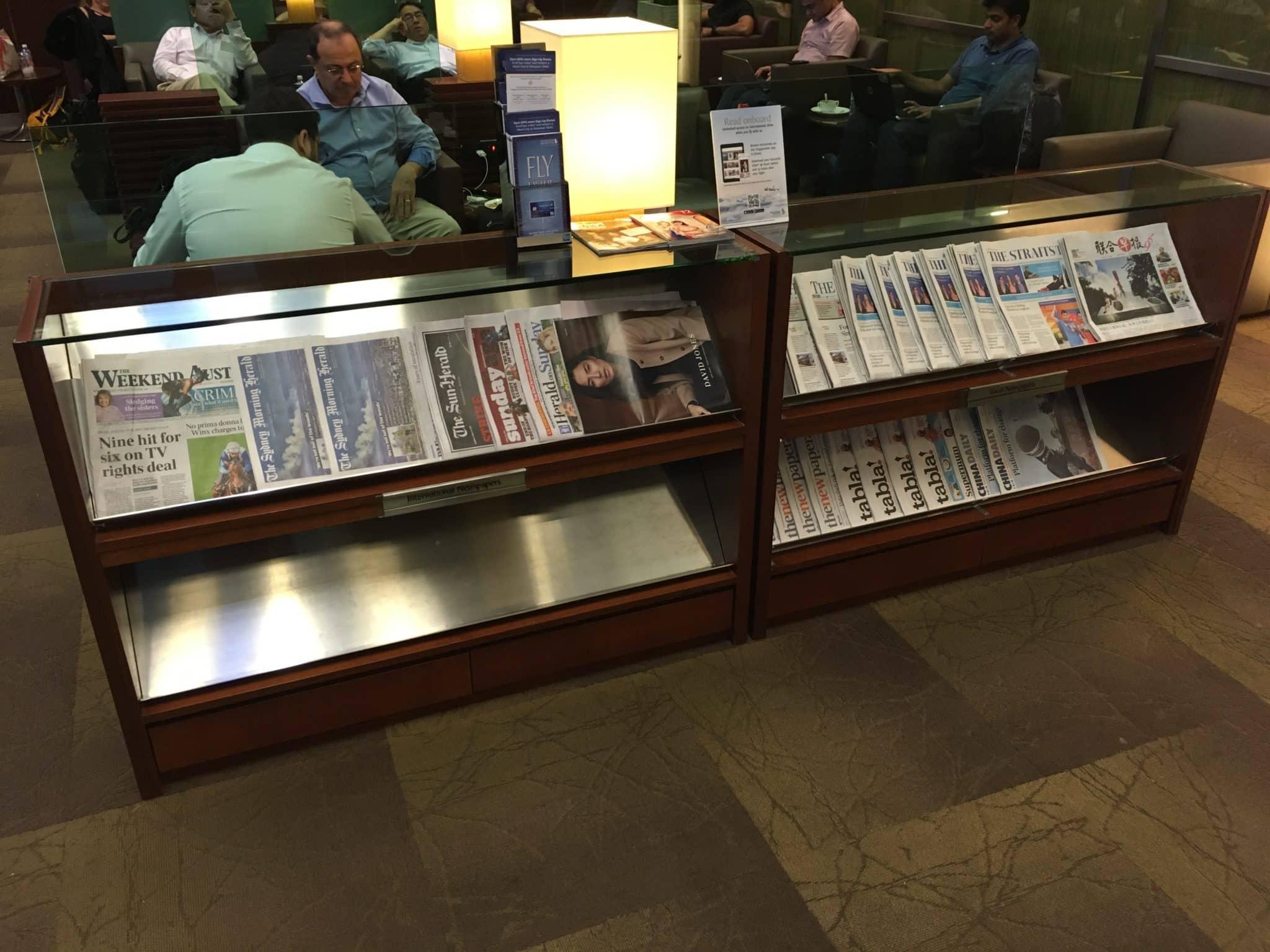 KrisFlyer Gold Lounge Changi Airport Terminal 3 - Zeitschriften