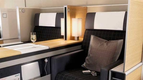 Swiss First Class an Bord des Airbus 330-300 &copy Swiss