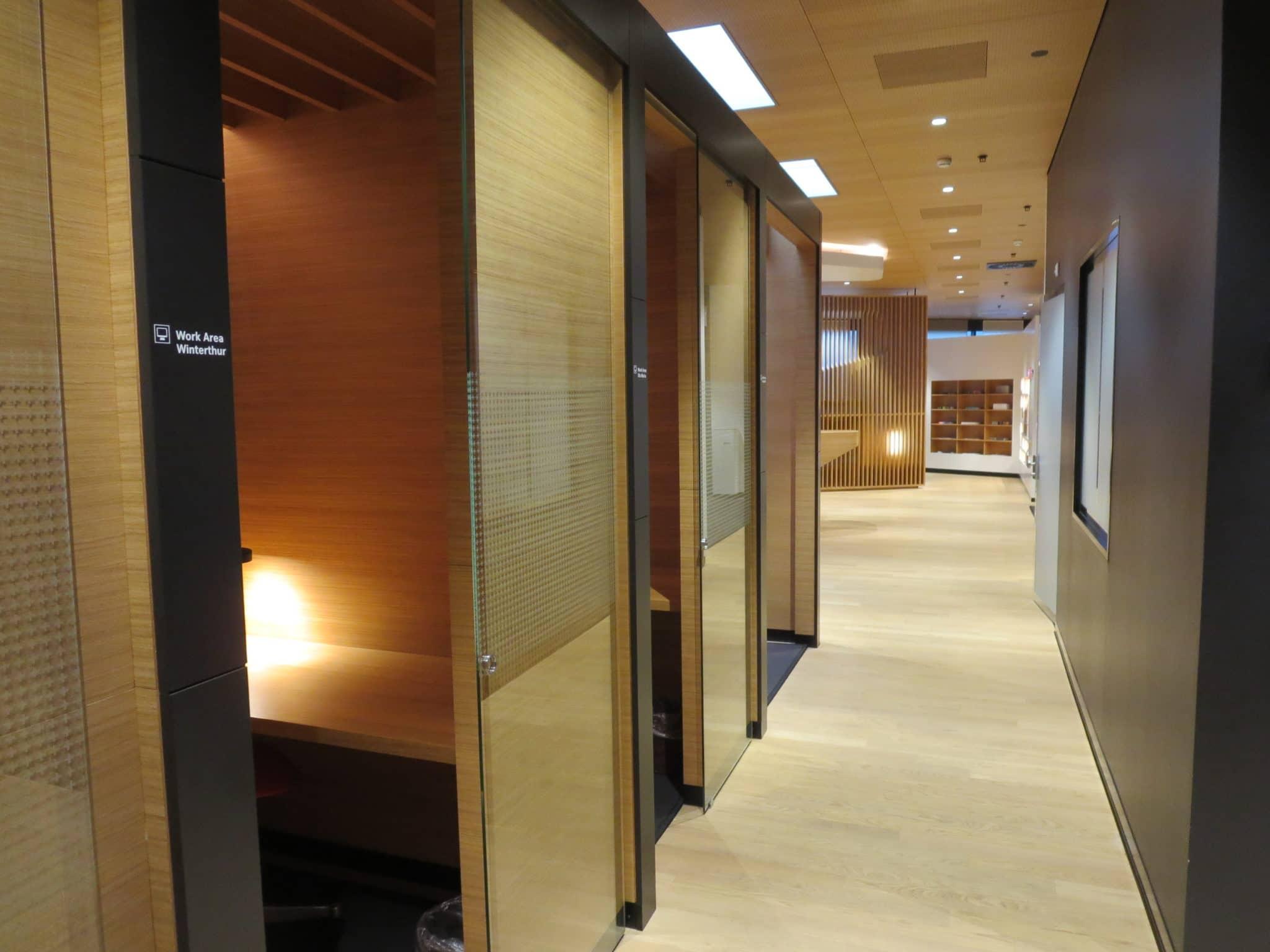 Swiss First Class Lounge Zürich A Arbeitsbereiche
