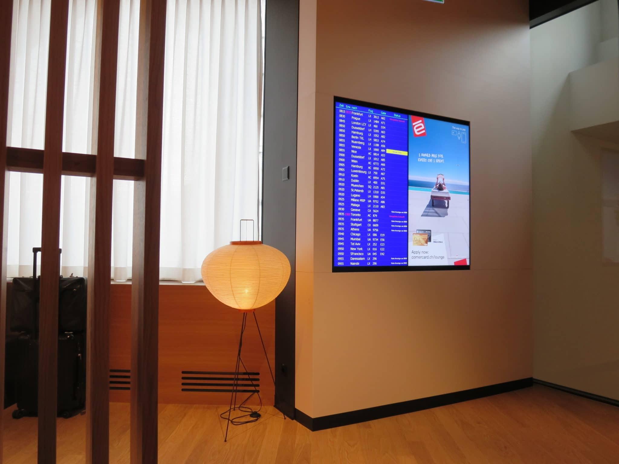 Swiss First Class Lounge Zürich A Fluganzeige