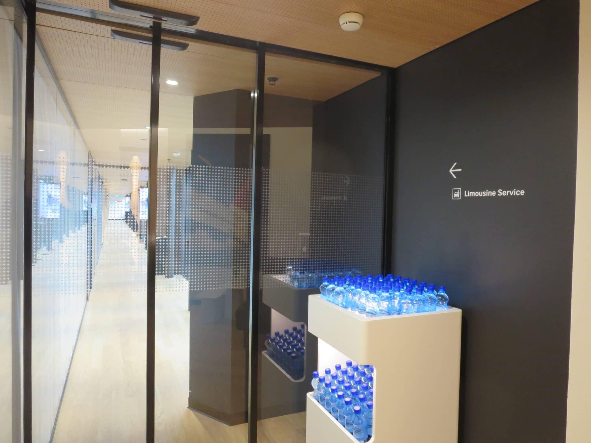 Swiss First Class Lounge Zürich A Gang zum Transferservice