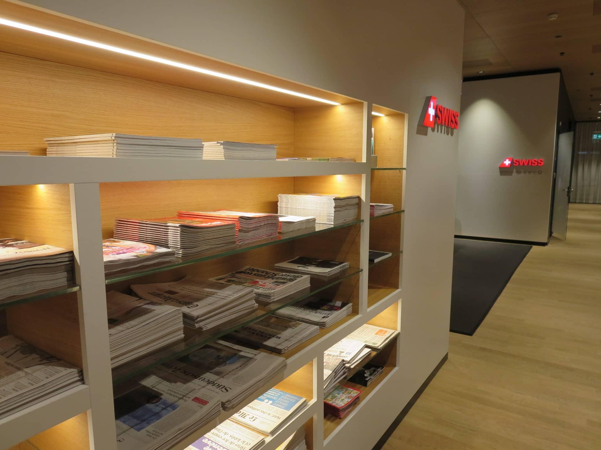 Swiss First Class Lounge Zürich A Zeitschriften