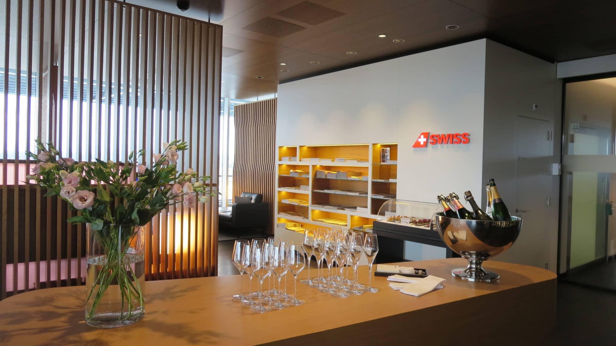 Swiss First Class Lounge Zürich E Champagnerbar