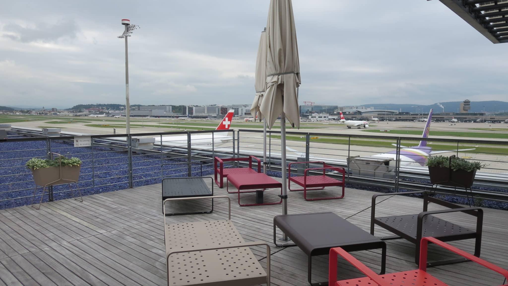 Swiss First Class Lounge Zürich E Terrasse
