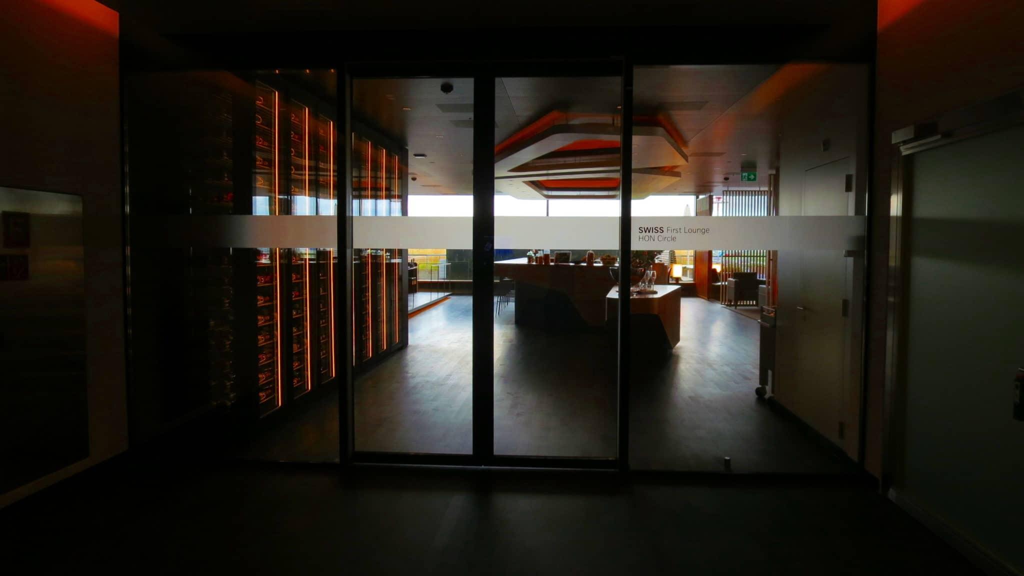 Swiss First Class Lounge Eingangsbereich