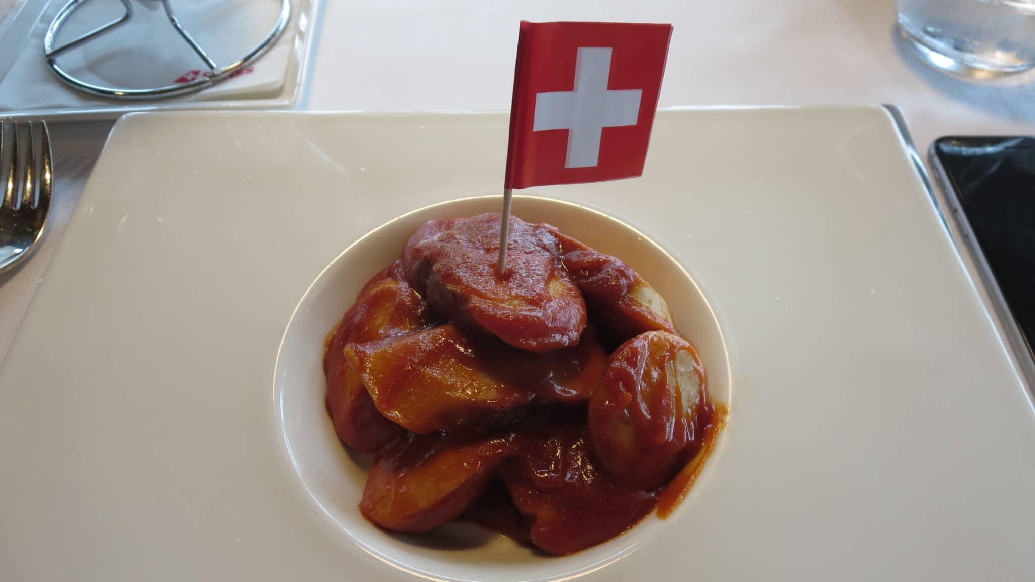 Swiss First Class Lounge Zürich E Currywurst