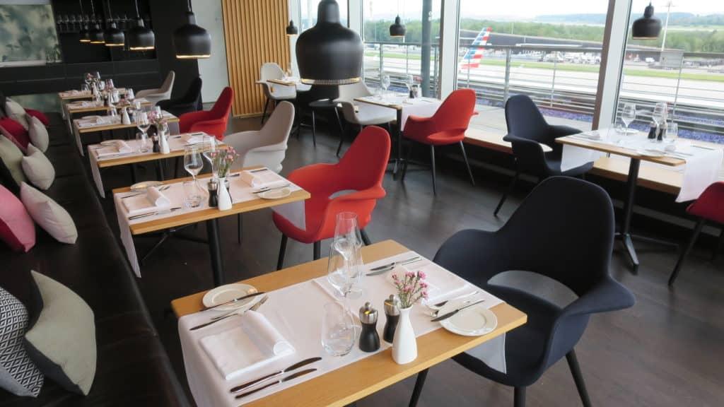 Die Swiss First Class Lounge Zürich E