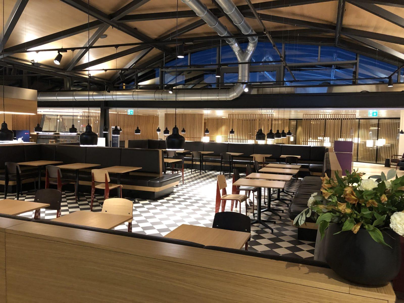 Swiss Senator Lounge Zurich A Gates Hauptbereich