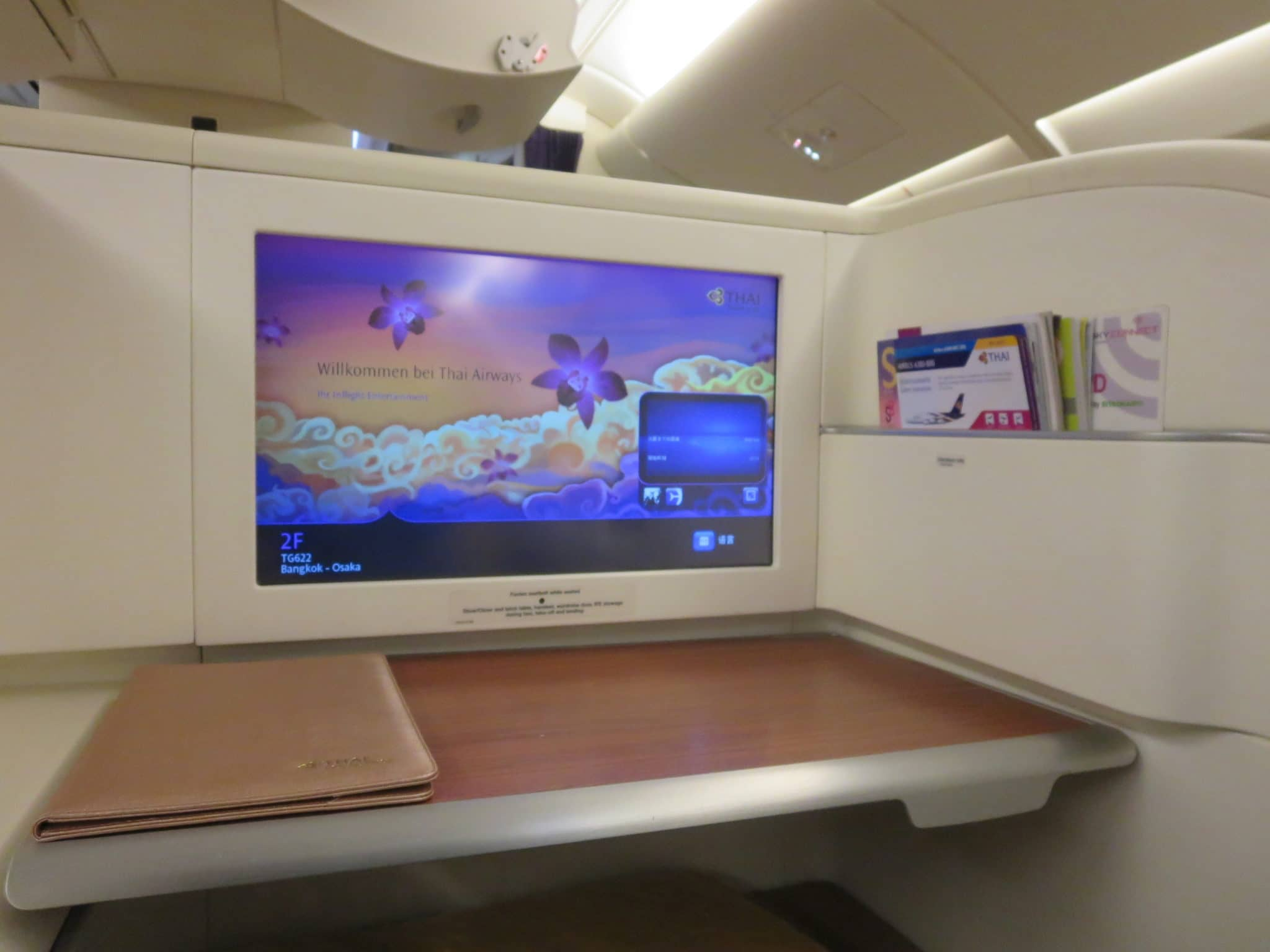 Thai Airways First Class A380 Tisch