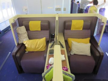 Thai Airways First Class Boeing 747 Mittelsitze