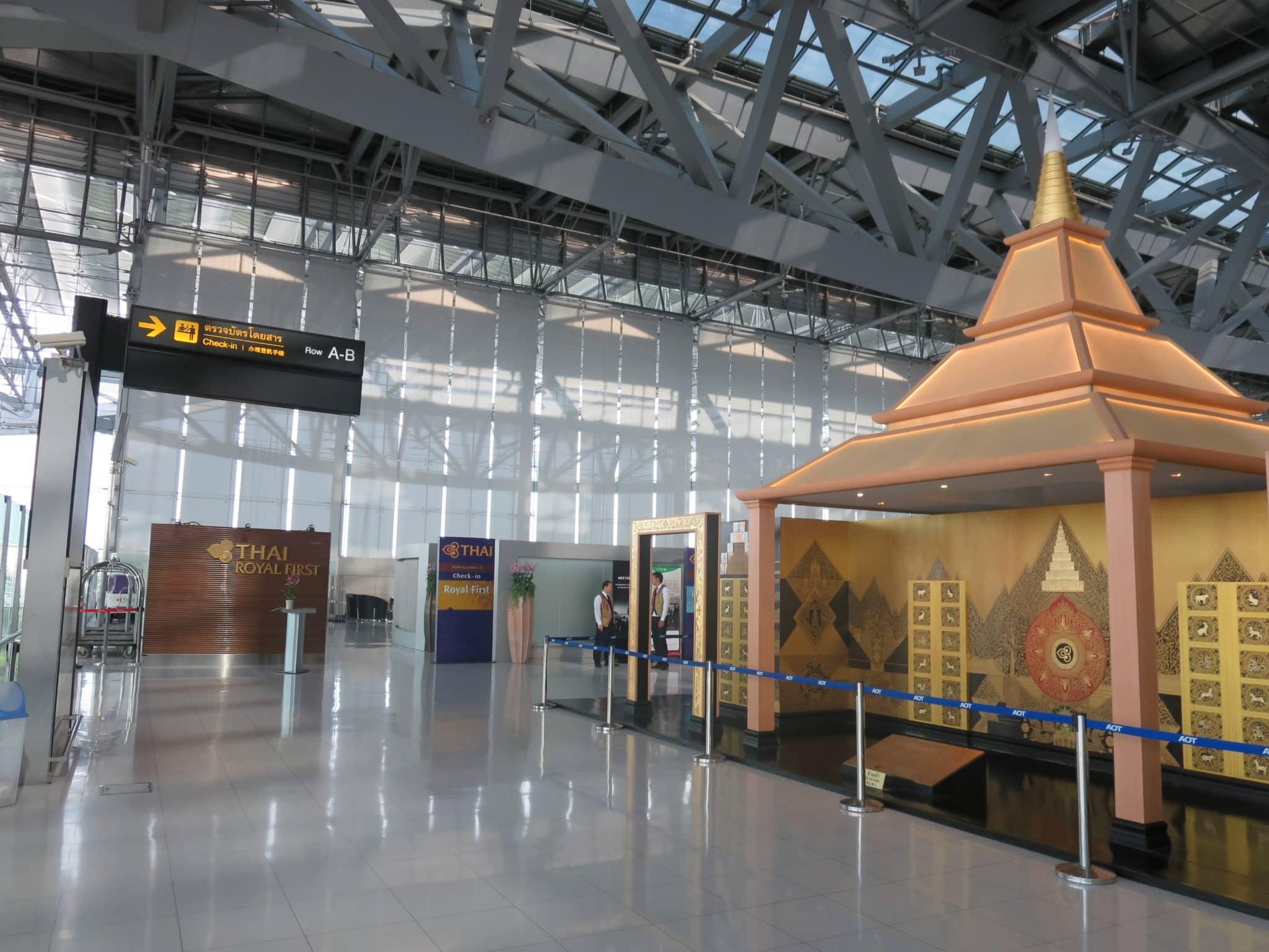 Thai Airways First Class Checkin Bangkok