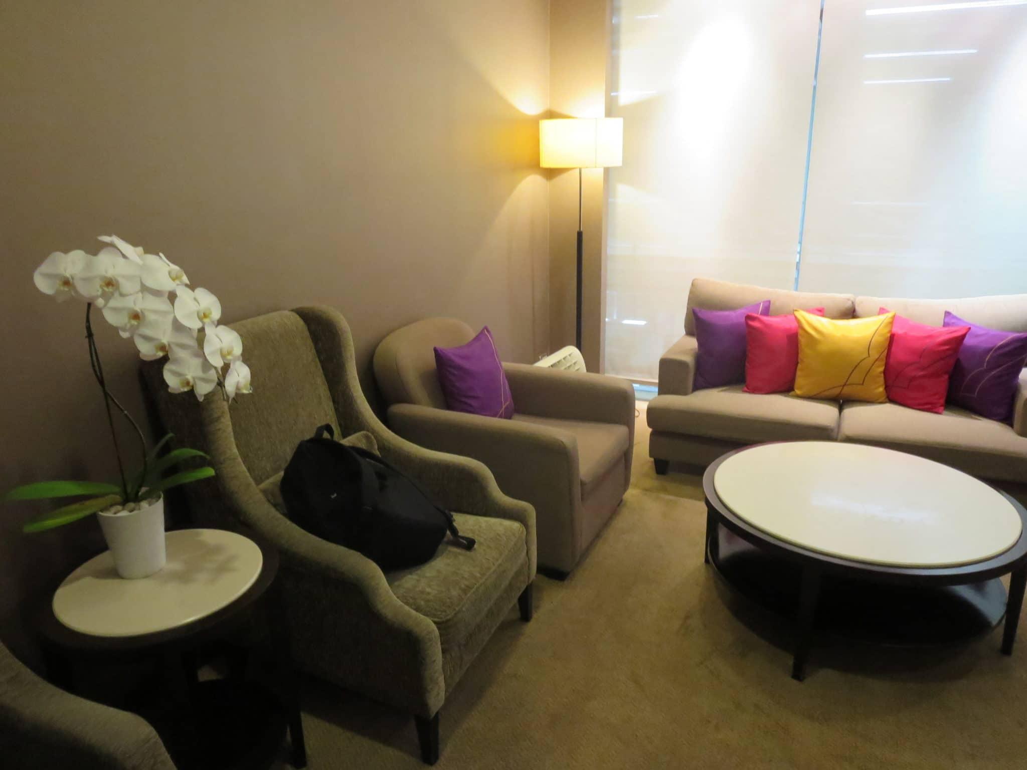 Thai Airways Royal First Lounge Bangkok Wohnzimmer