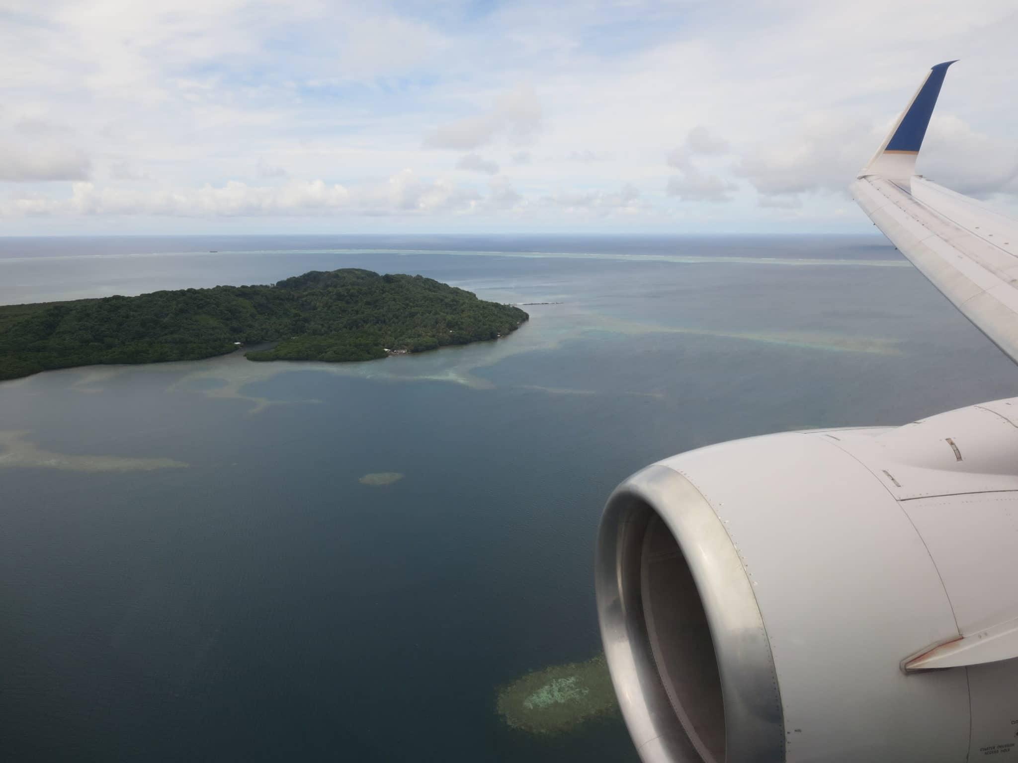 United Island Hopper Landeanflug Pohnpei