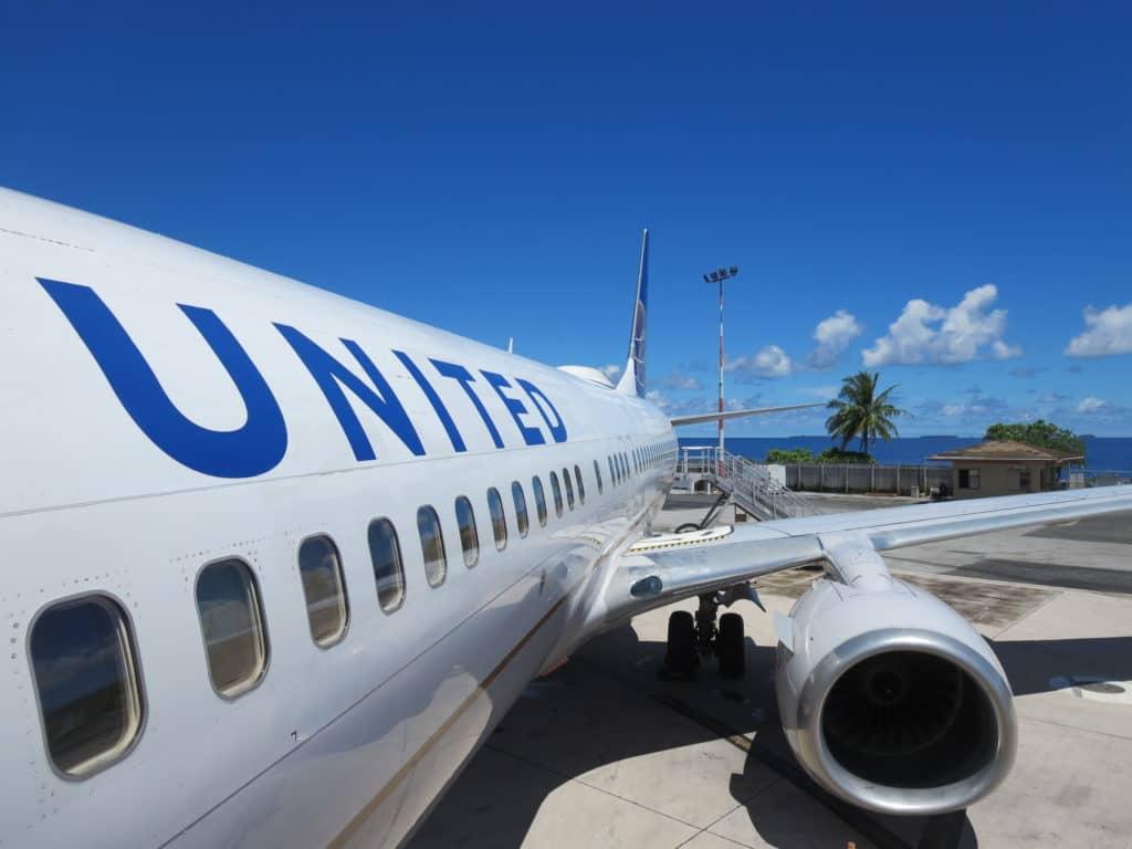Der United Island Hopper wird mit einer Boeing 737-800 bedient