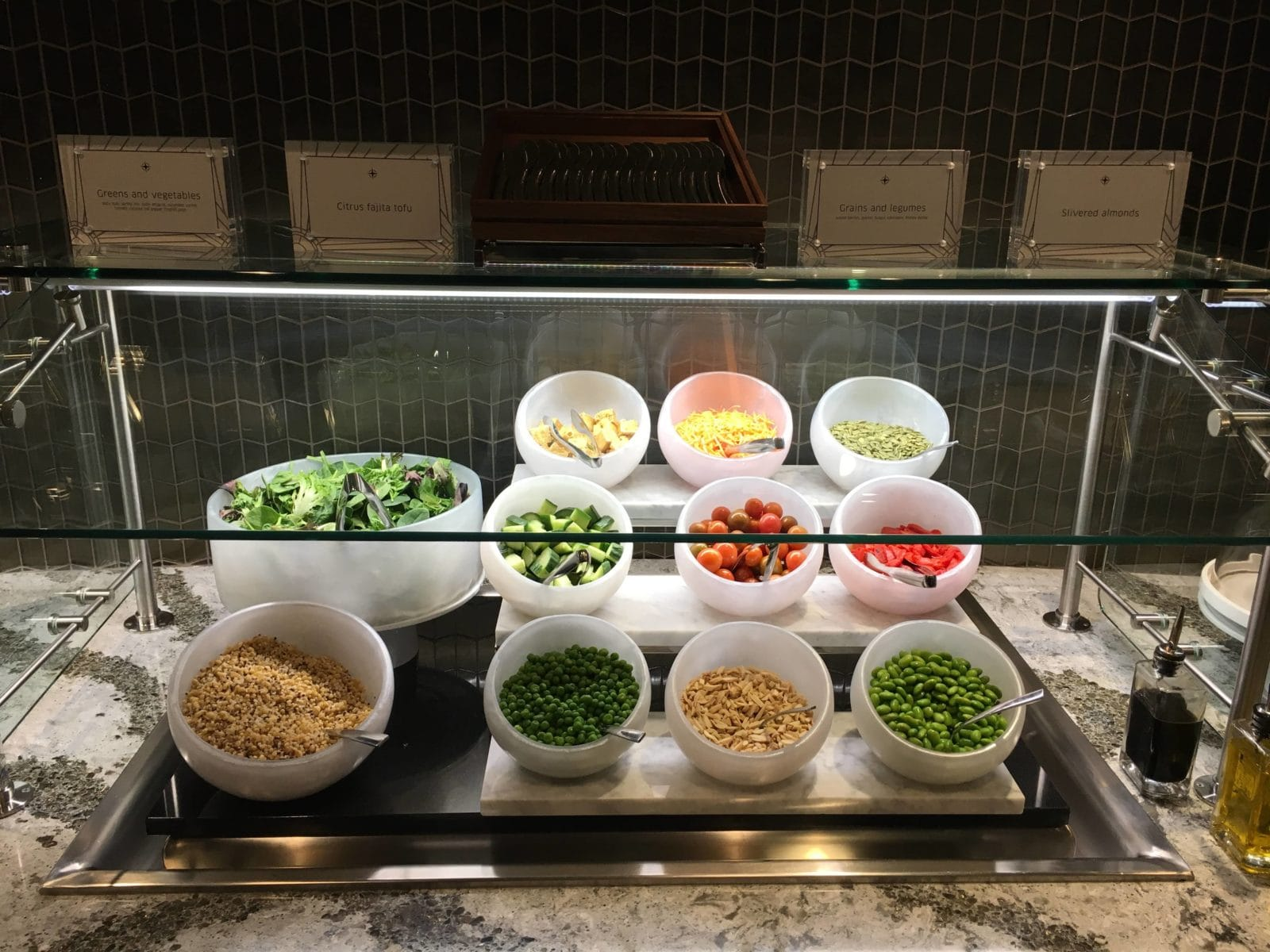 United Polaris Lounge LAX - Salatbuffet