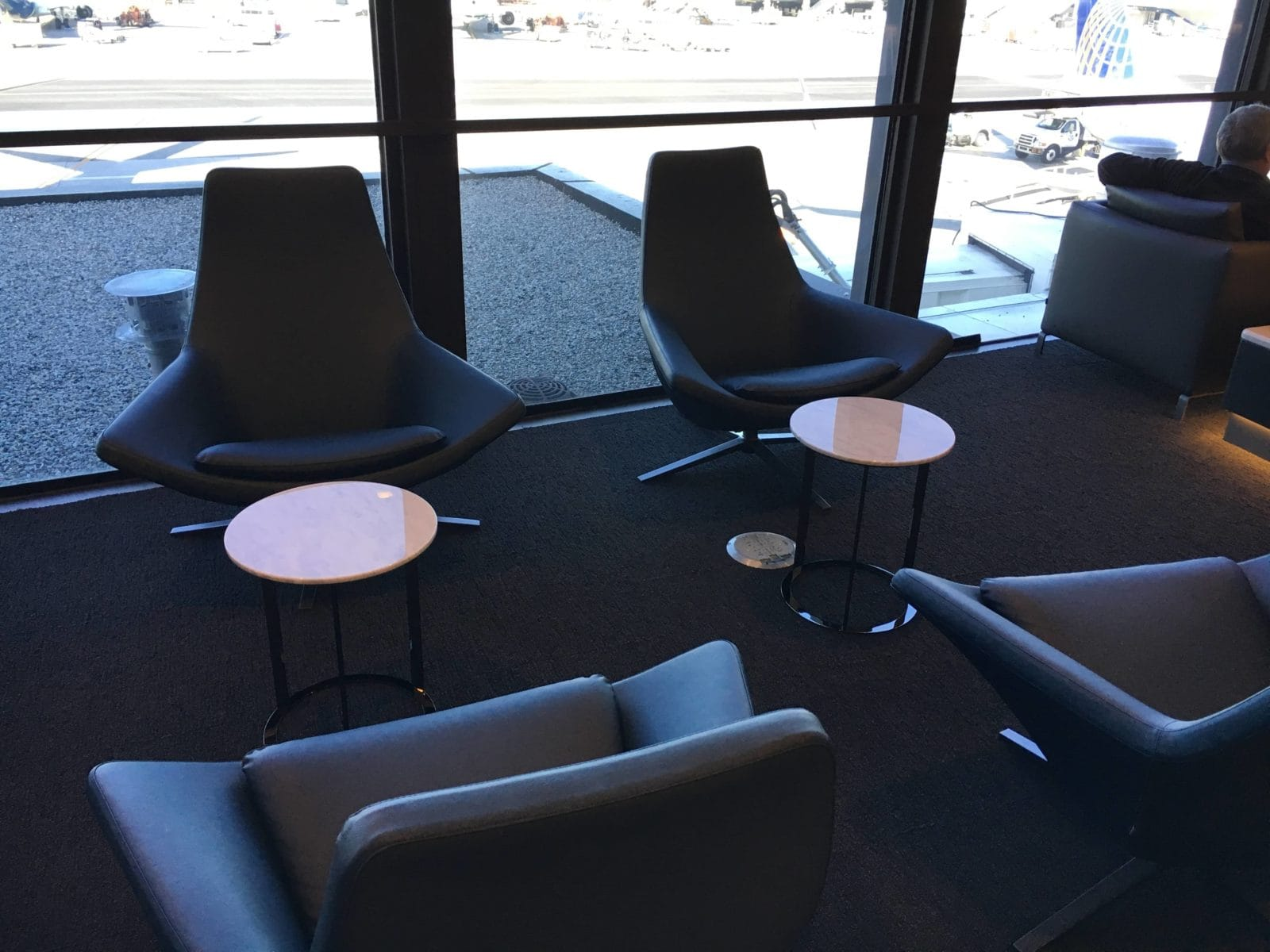 United Polaris Lounge LAX - 2er Sitzgruppe